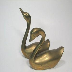Vintage Brass Swans Pair Solid Decorative Birds